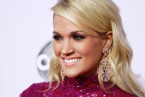 Carrie Underwood arrives at the 40th American Music Awards in Los Angeles, on Nov. 18, 2012.